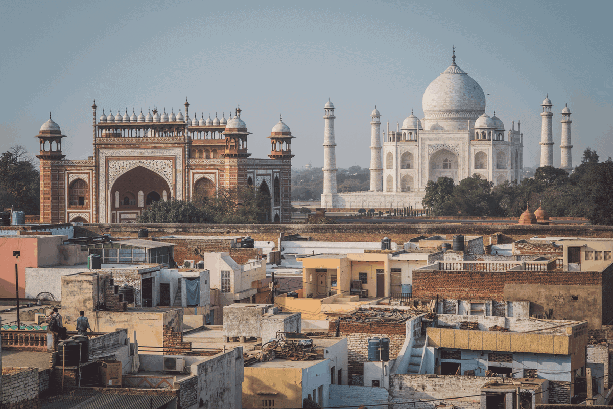The Taj Mahal in relation to the city of Agra next to it